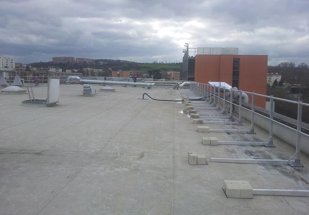 metallerie-vernhet-pose-garde-corps-sur-toit